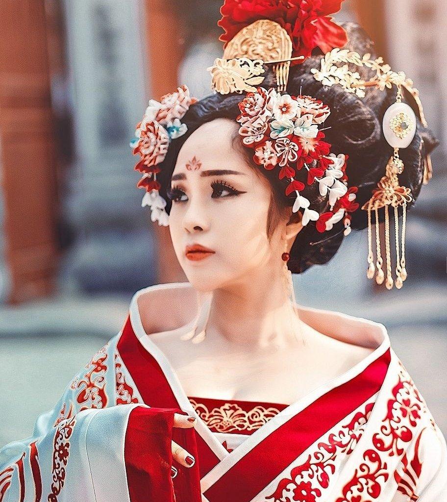 Capelli & colori dell'Oriente, Taglio capelli Facile