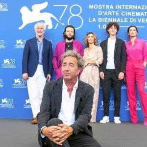 Biennale di venezia, Taglio capelli Facile